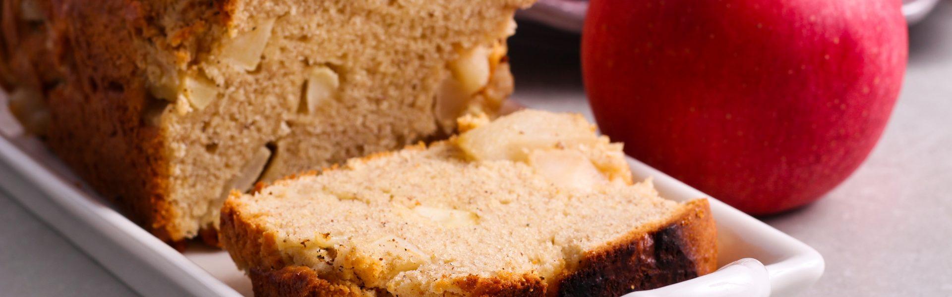 Jablčný chlieb s chrumkavou kôrkou